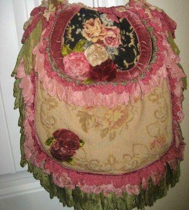 Lovely Magnolia Pearl Bag