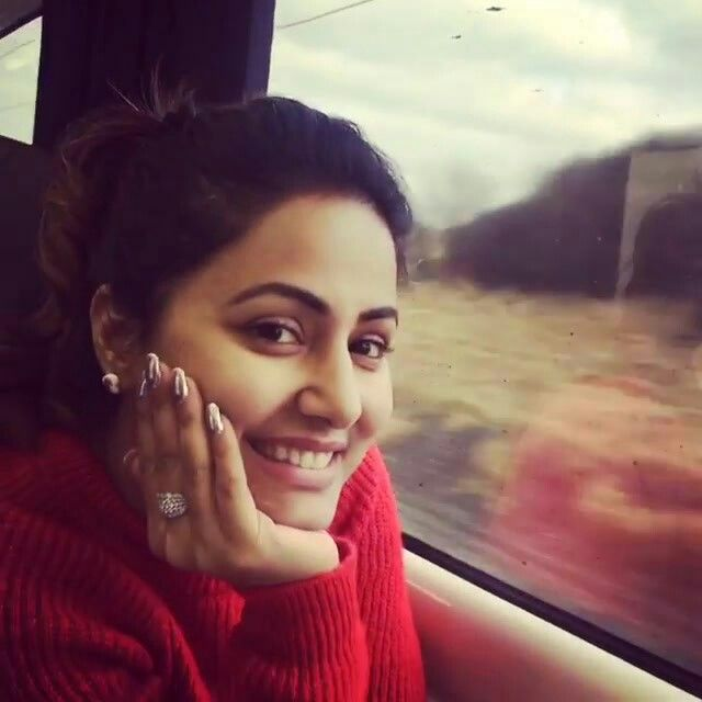Cute Gorgeous Hina Khan Video Pic Instagram