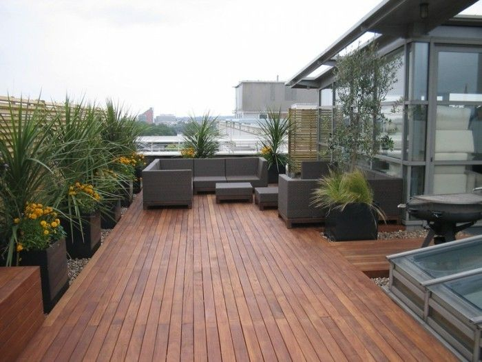 exemple idee salon de jardin, revêtement bois composite marron ...