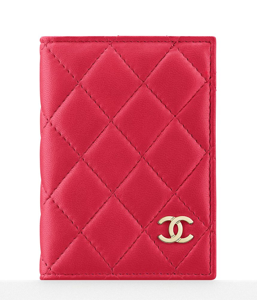 5fee9971ca937 Check Out Chanel s Cruise 2016 Wallets