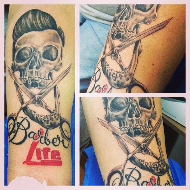 #Barber. #skull #tattoos @regperez