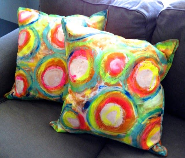 Painted Thrown Pillows Upcycle With Images Pillows Throw