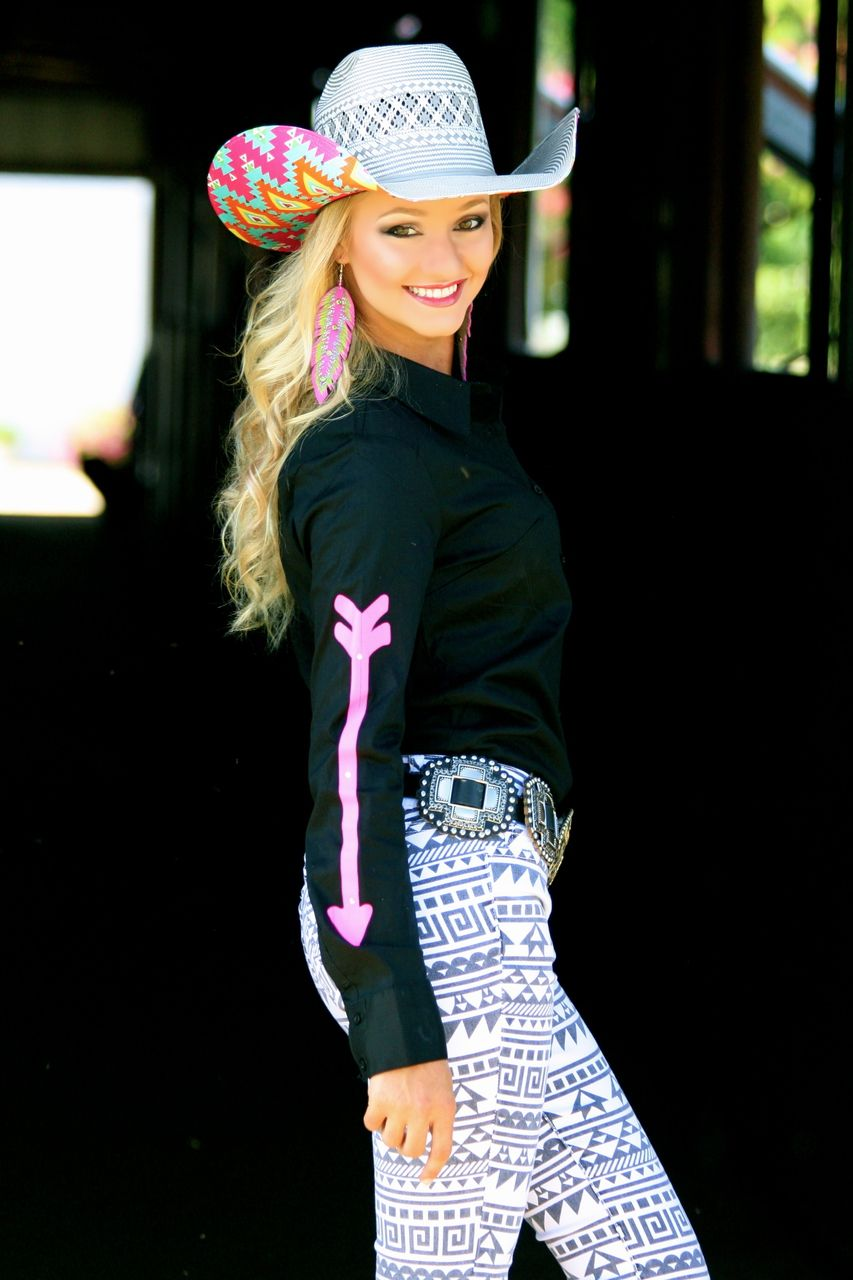 Black fitted rodeo shirt with pink arrows ranch dress 39 n for Ranch dress n rodeo shirts
