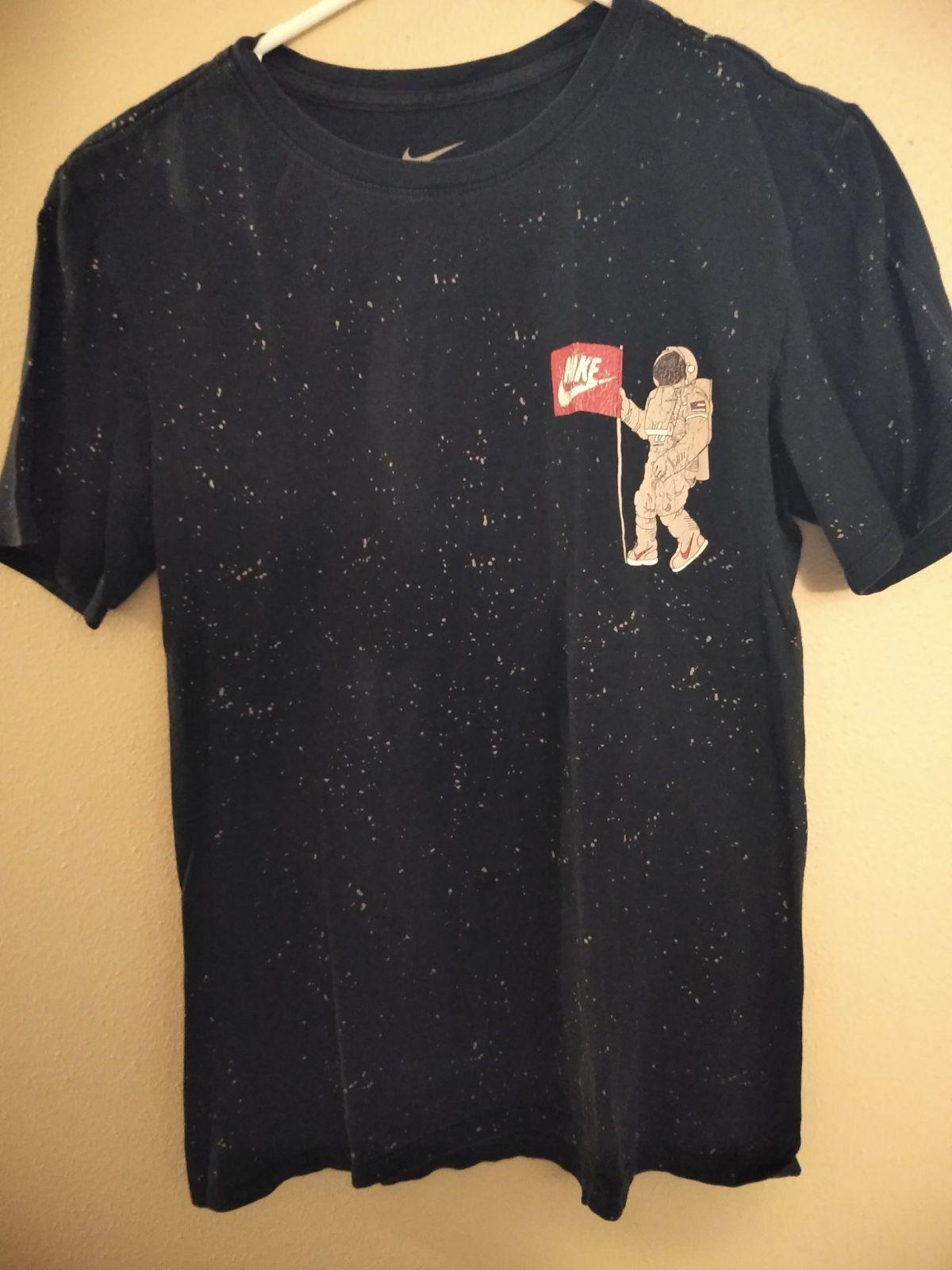 Men S Nike Astronaut Shirt Astronaut Shirt Shirts Nike Men [ 1600 x 1200 Pixel ]