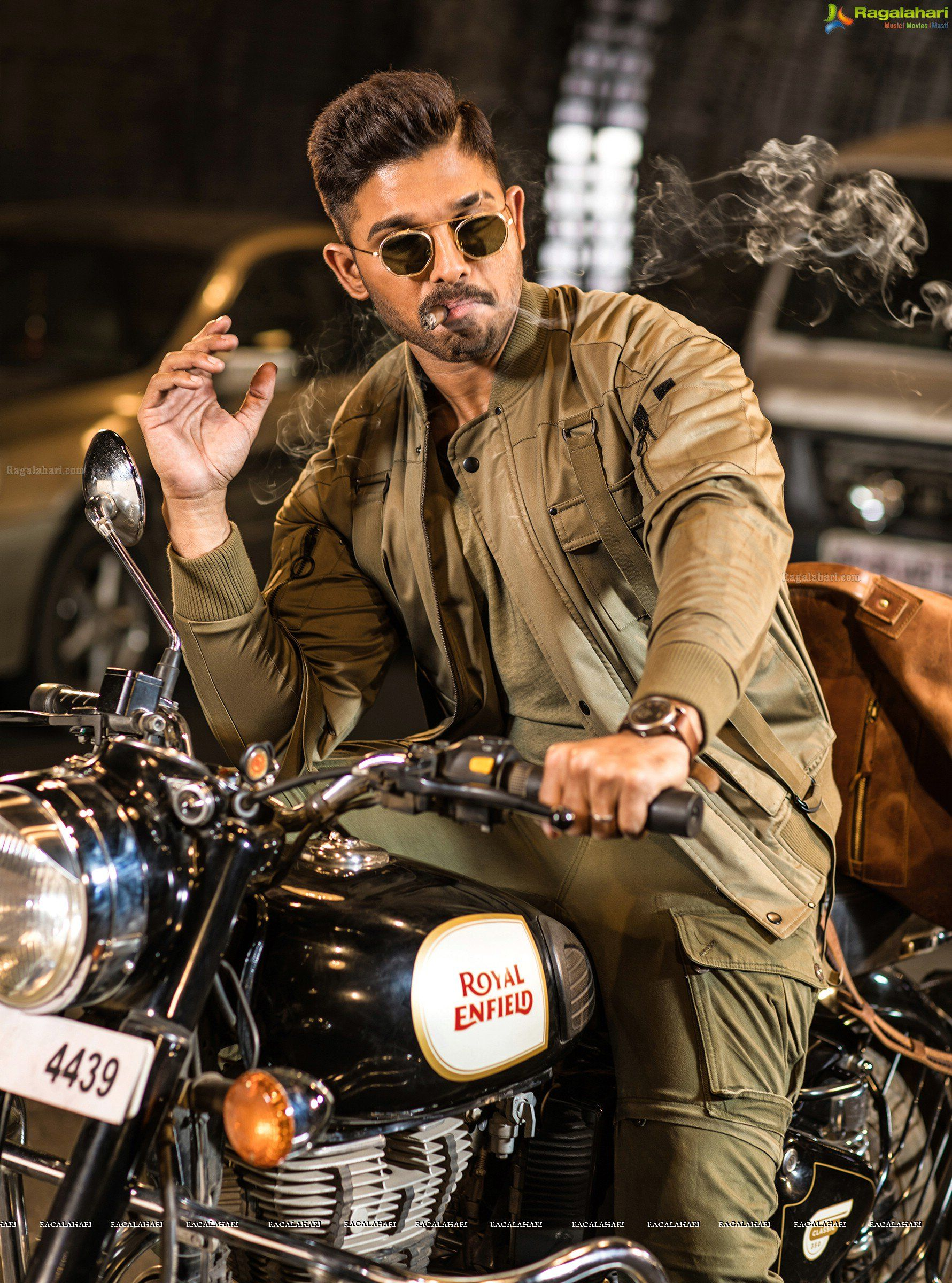 Allu Arjun Hd Photo Gallery From Naa Peru Surya Naa Illu