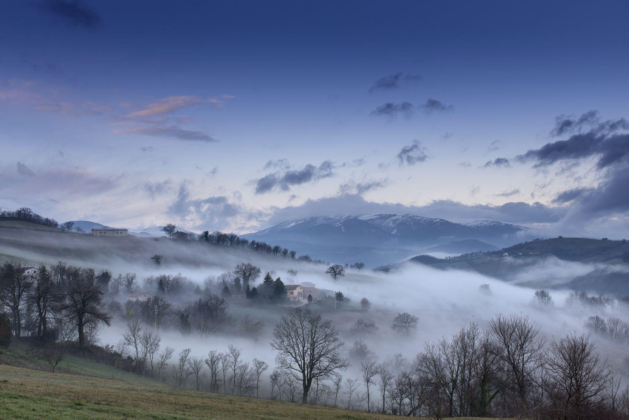 Скачать обои дом, горы, туман, небо, осень, облака, раздел ...