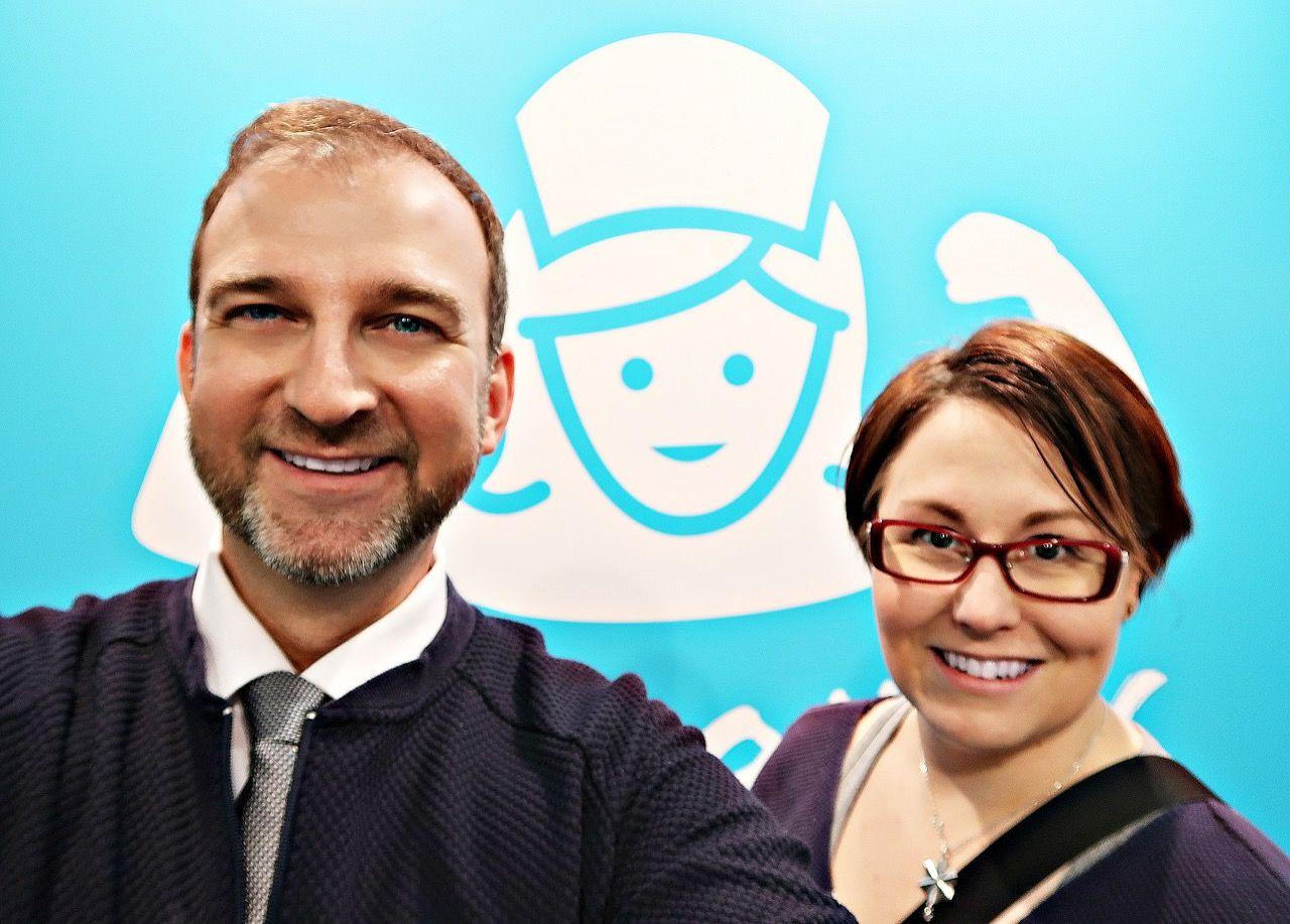 Mainio-blogin fanin @caritainen (joka itsekin bloggaa) yllätystapaaminen Sairaanhoitajapäivillä. /Surprise meeting with fan of my blog called Mainio (in Finnish) at The Finnish Nurse's Conference. 😃😘 https://www.tehylehti.fi/fi/blogit/mainio #shpäivät #hoitotyö #tehylehti #sairaanhoitaja #blog #bloggers #blogging #health #happy #fan #meeting #surprise