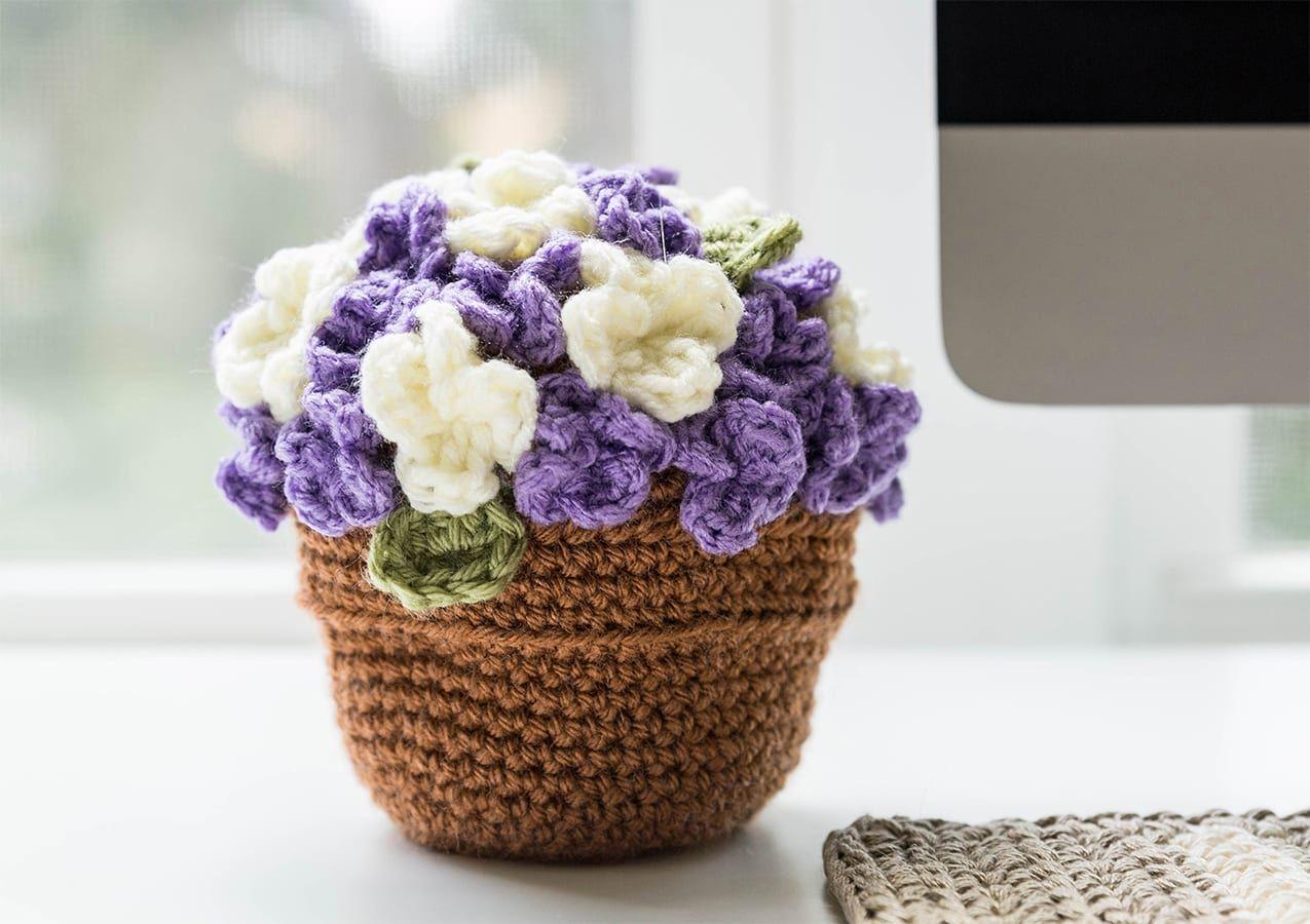 Very Easy Crochet Flower Tutorial - Learn to Crochet - Crochet Kingdom | 900x1275