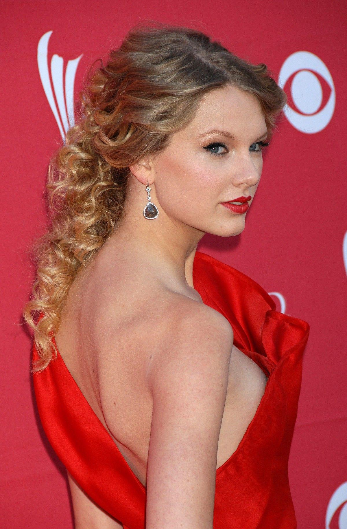 Taylor Swift Acm Auszeichnungen nackt