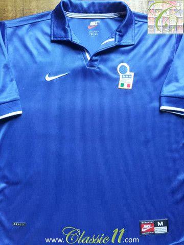 ec9e8c75cbd Relive Italy s 1998 1999 international season with this vintage Nike home football  shirt.