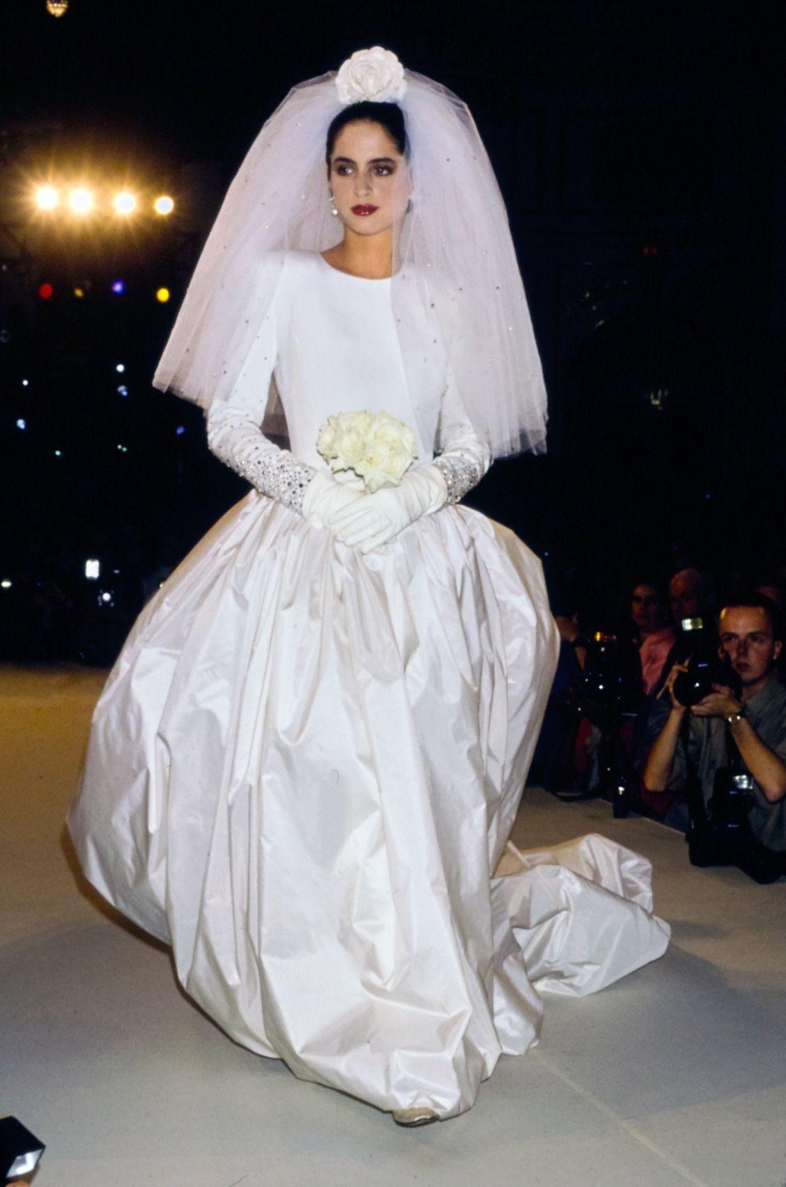 13 Dreamy Carolina Herrera Wedding Gowns to Swoon Over   Bridal ...
