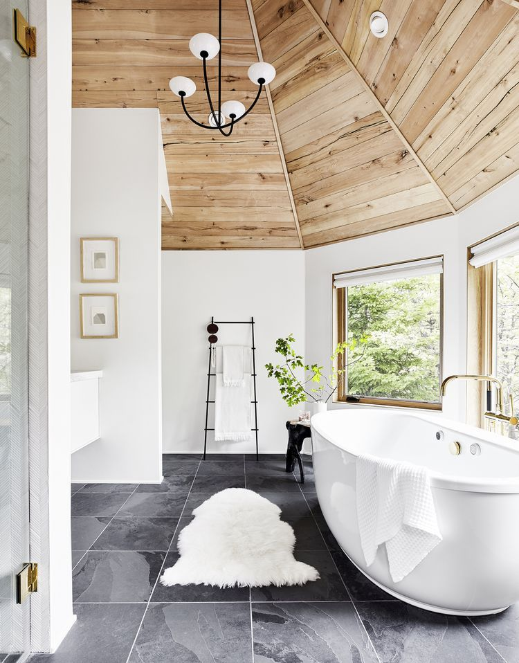 21 Of The Most Beautiful Bathrooms We Spotted On Instagram Bathrooms Remodel Bathroom Design Bathroom Remodel Master