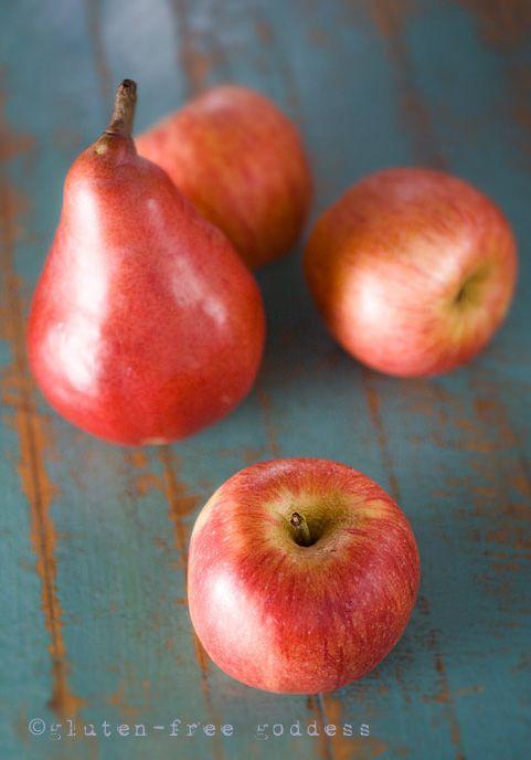 Apples and pears for Karina's original, easy Apple Pear Crisp recipe #glutenfree #wheatfree