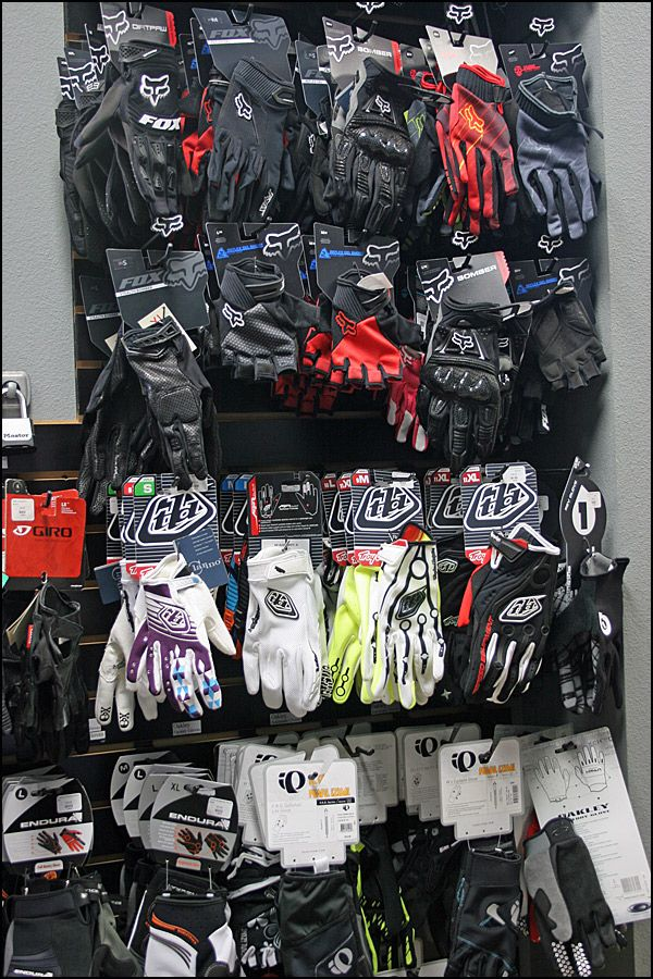 Cycling And Mountain Bike Gloves By Pearl Izumi Troy Lee Designs