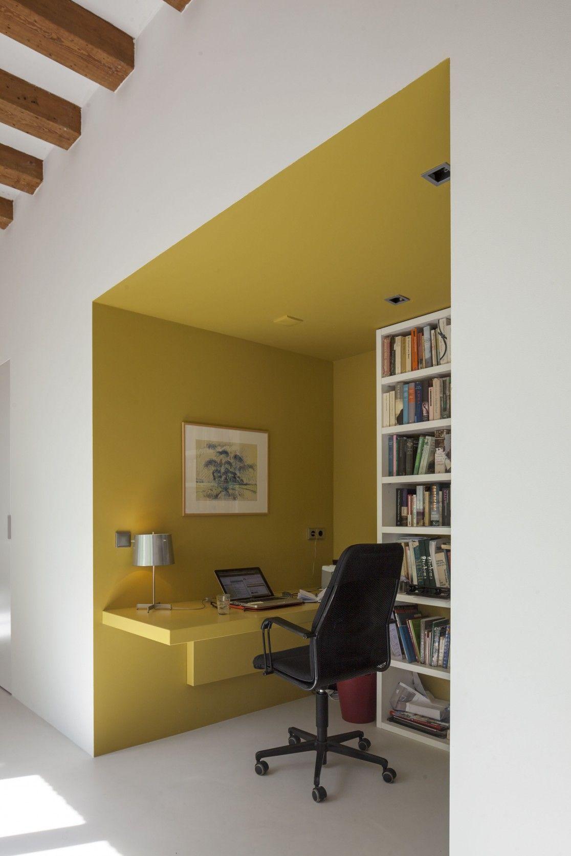 okergeel, werkplek, interieur geschutswerf. | CRAFTS | Wall Art ...