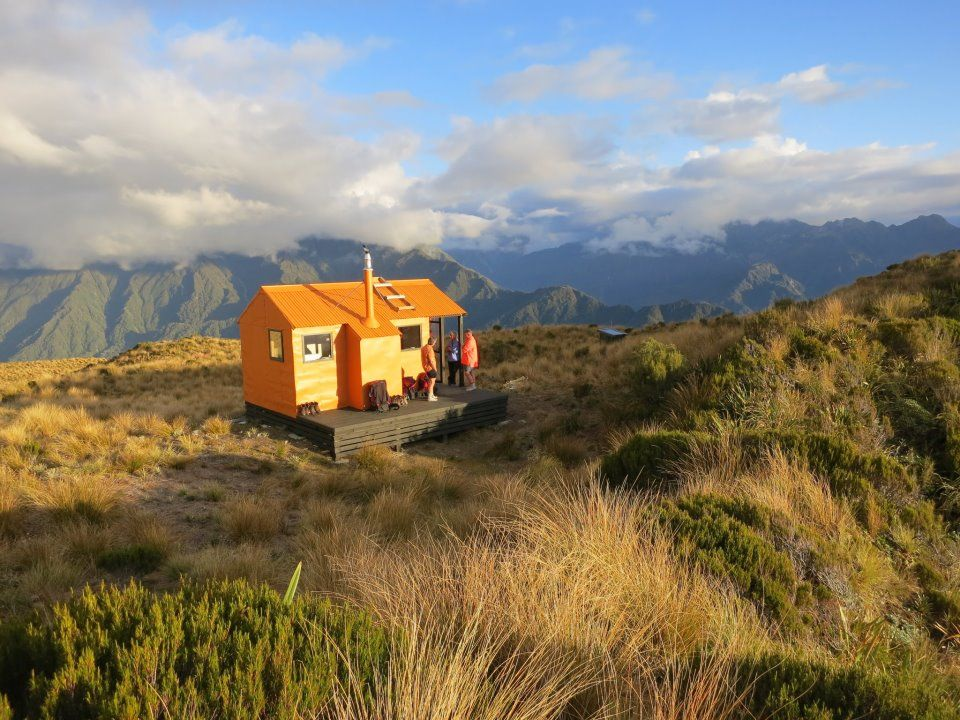 Mt Brown Hut, Lake Kaniere, New Zealand Hokitika | Tiny House ...