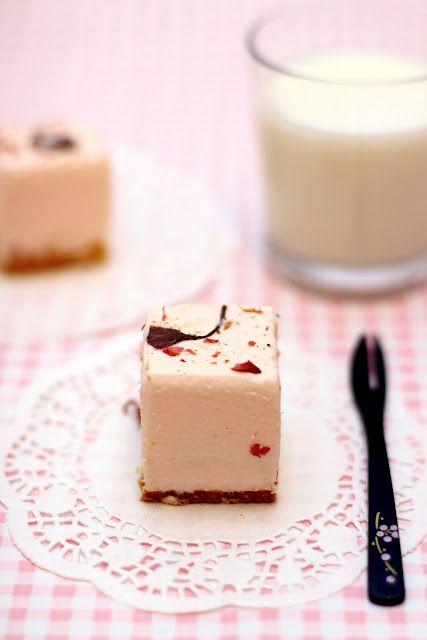 사쿠라 레어치즈 케이크