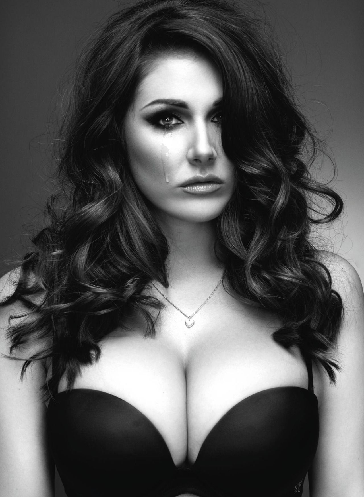 Pinder hot lucy Lucy Pinder