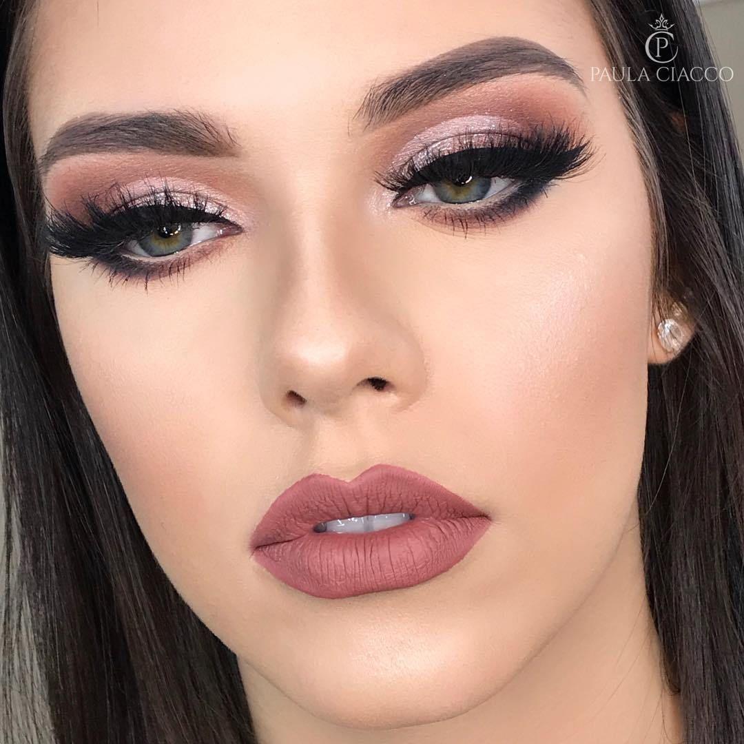 Stunning makeup + matte lipstick