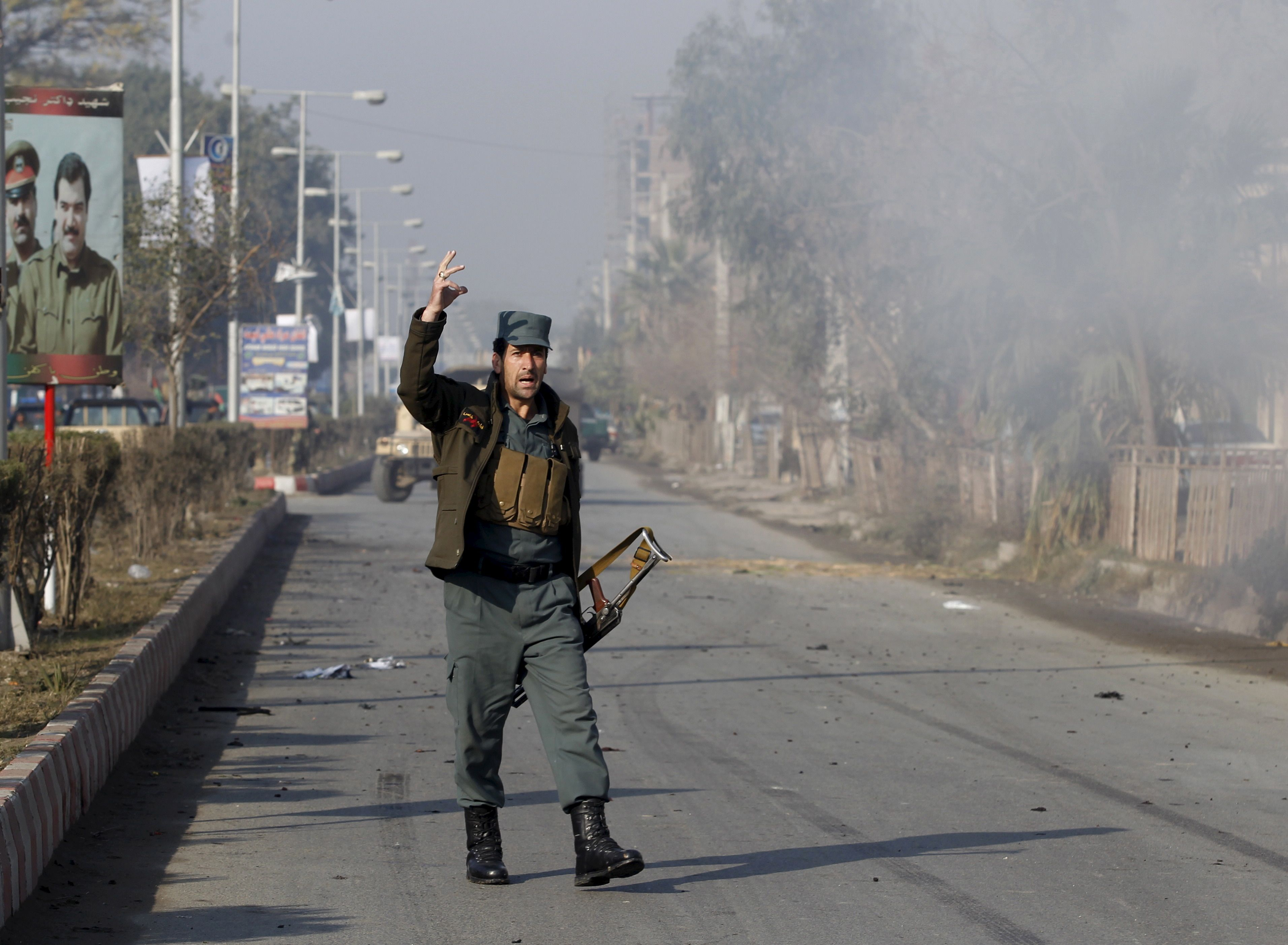 Is claims attack on pakistan consulate in afghanistan