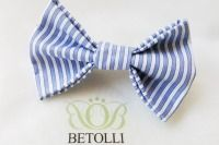 Blue end white striped hair clip by BETOLLI.