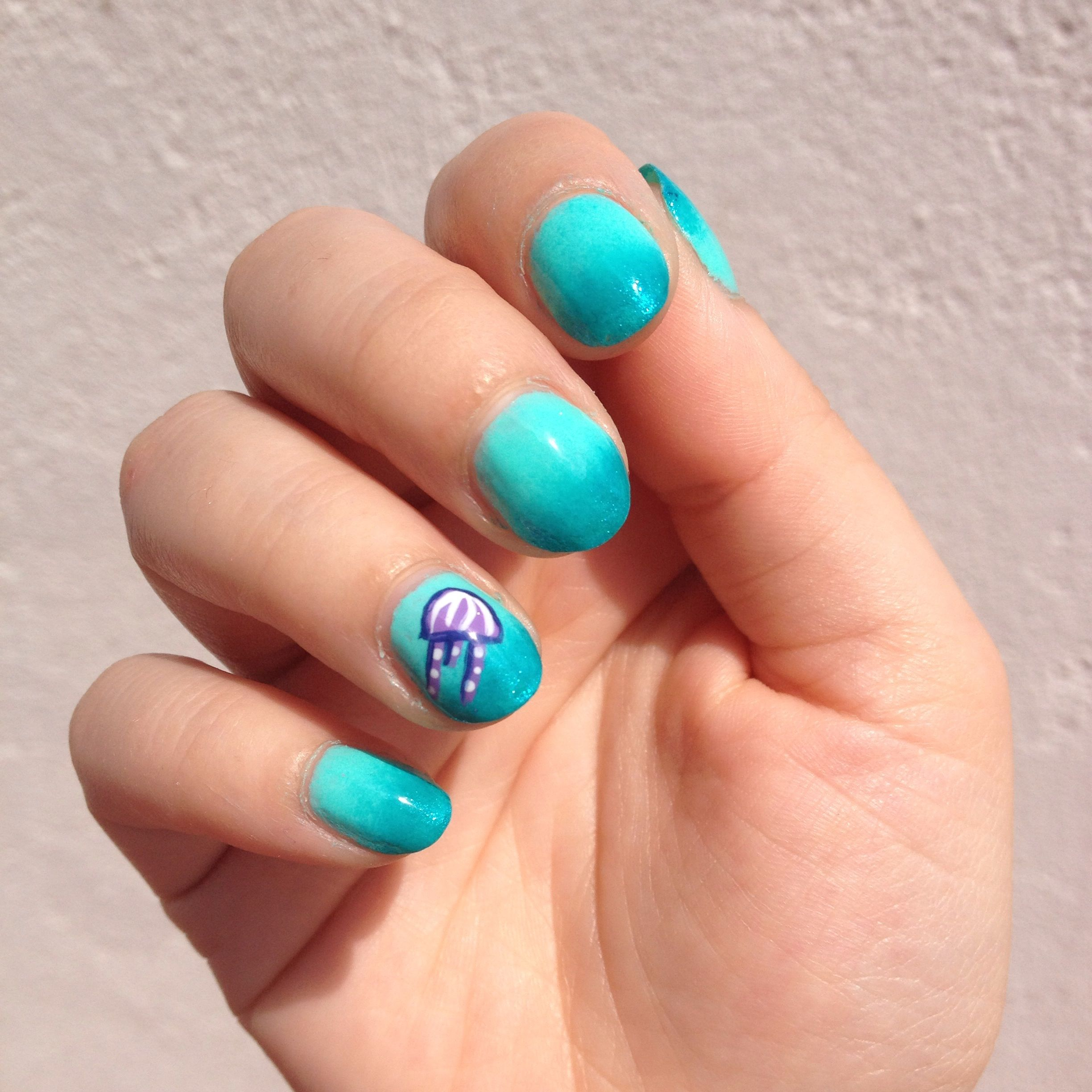 Nail art: Degradado con medusa | nailappeal