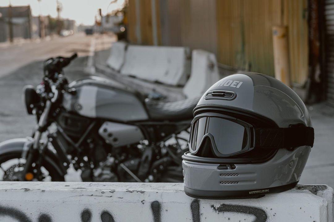 Kapuzenpullover in Oliv mit Biker Chopper-/&Motorradmotiv Modell Original