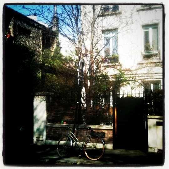Photo prise le 16 mars 2012.  Rue des Rondeaux, 75020, Paris.