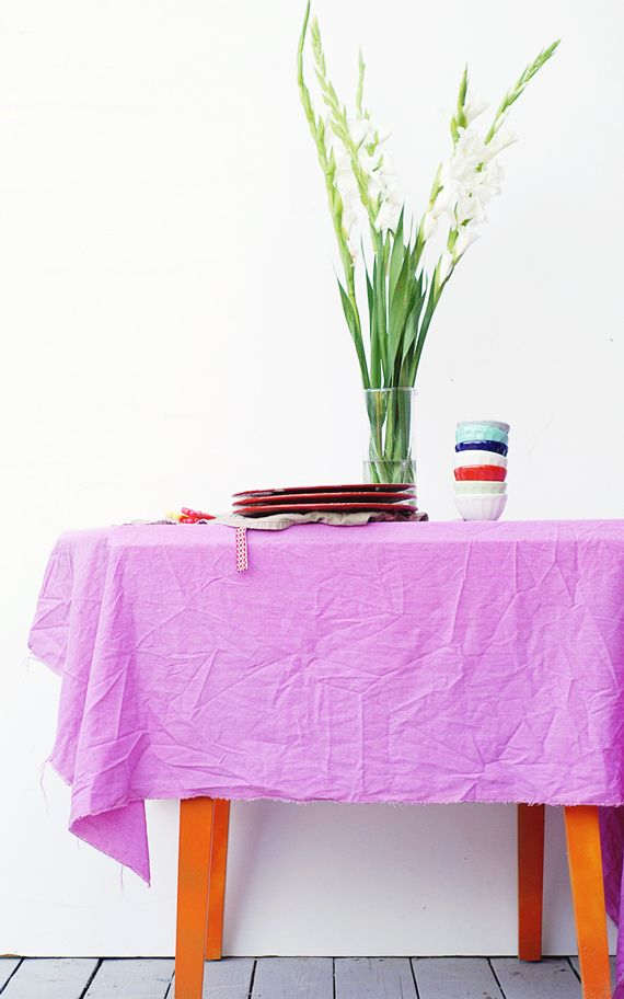 DIY: vegetable dyed tablecloths