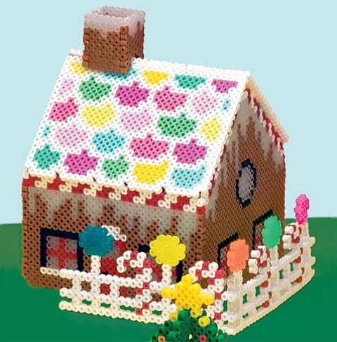 tuto maison pain d 39 epices en perles hama tutos de mylittlebird pinterest perles hama hama. Black Bedroom Furniture Sets. Home Design Ideas