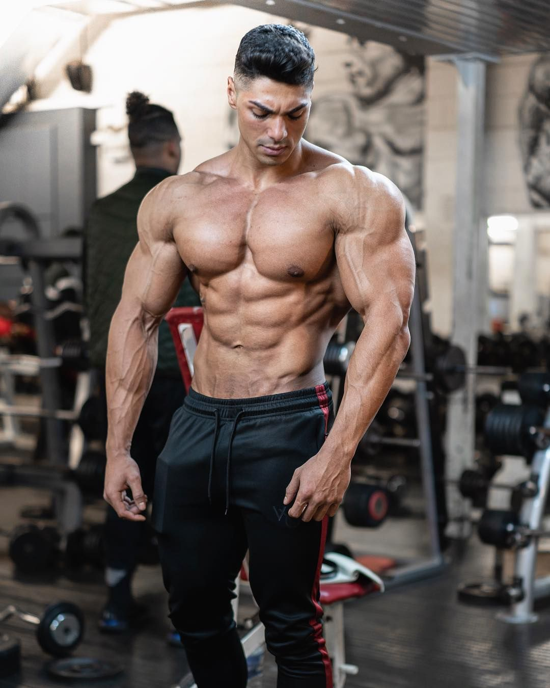 I'M feelin shredded 🤙🏽 muscular back, muscular men, sport motivation, Bodybuilding Training, Bodybuilding Workouts, Muscular Men, Best Physique, Male Physique, Bodybuilder, Muscle Growth Pills, Olympia Fitness, Workout Fitness