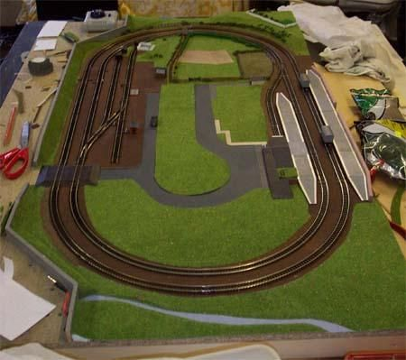 Small n track plans n scale trains pinterest model train train set and scale - Ho scale layouts for small spaces concept ...