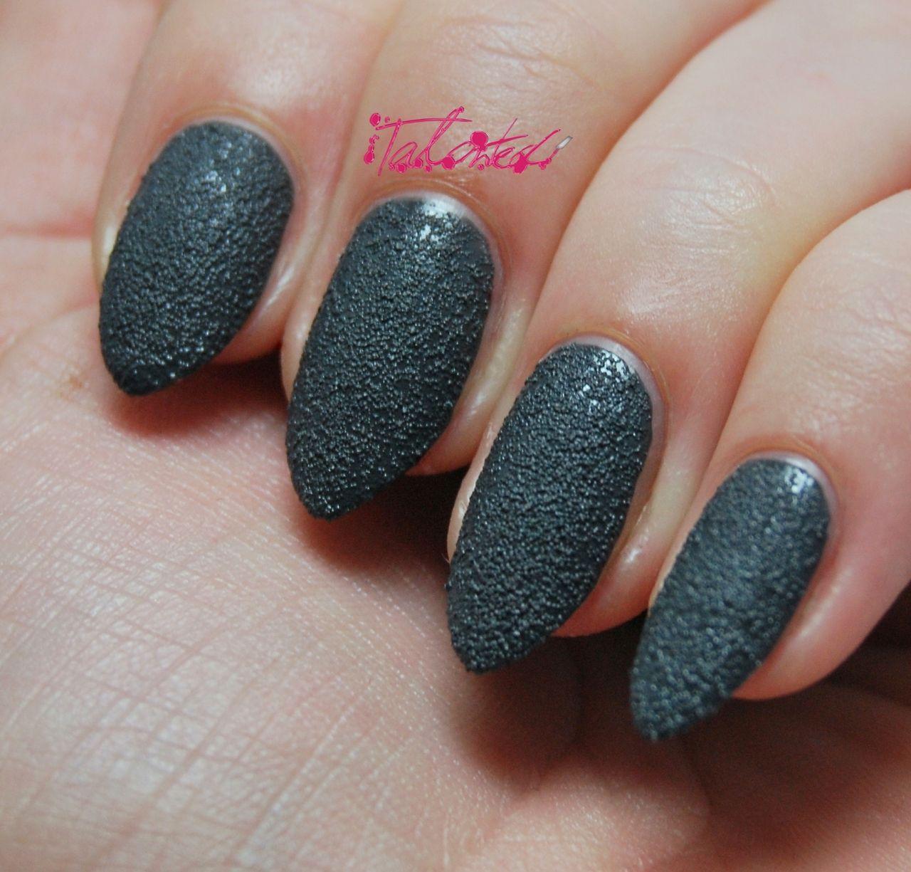 Seventeen Rock Hard Nail Effects in Grey