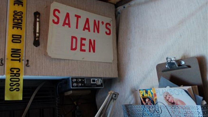 Satans Den