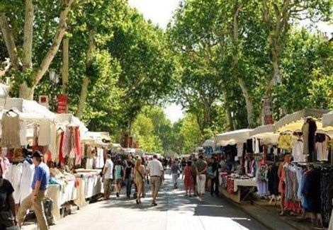 Le grand march d ballage textile artisanat brocante aix en provence tourist office - Aix en provence tourist office ...