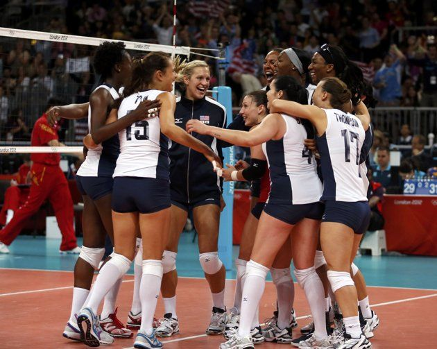 U S Players Celebrate After Defeating China During Their Women S Group B Volleyball Match At Earls Court During With Images Olympics Olympic Volleyball Inspiring Athletes