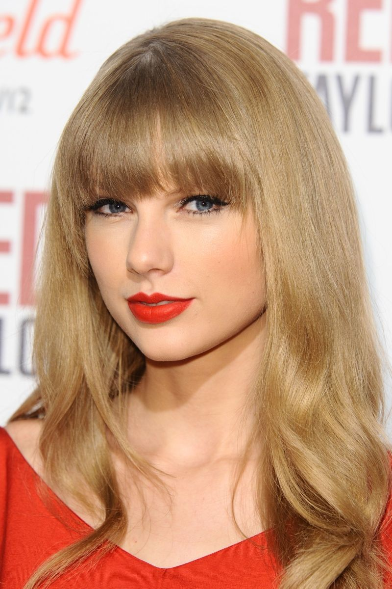 10 Times Taylor Swift Rocked Red Lipstick Taylor Swift Hair Wig Hairstyles Human Hair Wigs