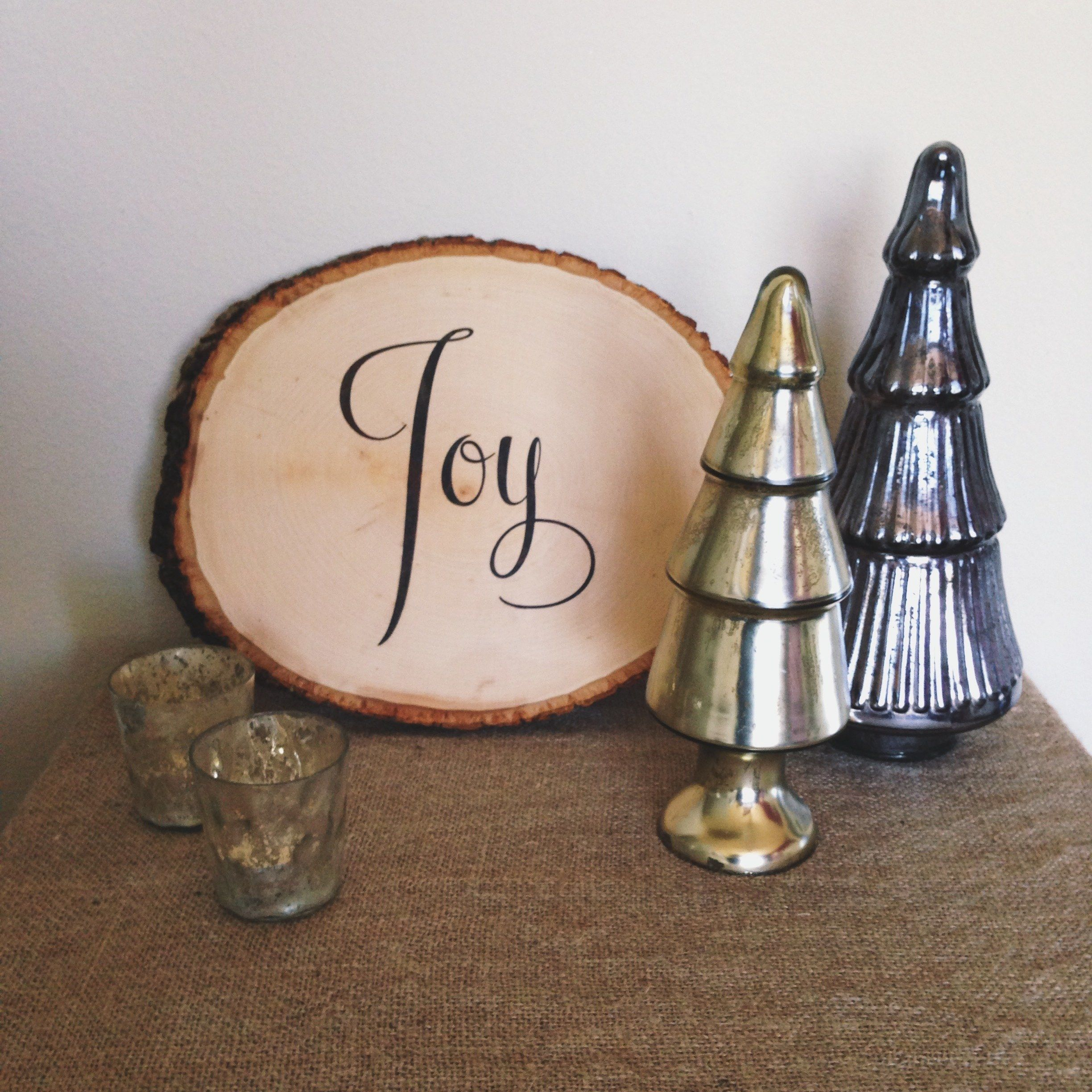 Holiday diy typographic wood wall art glue sponge card stock and