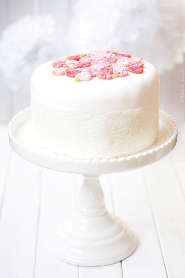 Fondant Torte Für Anfänger Layered Cakes Light Photography