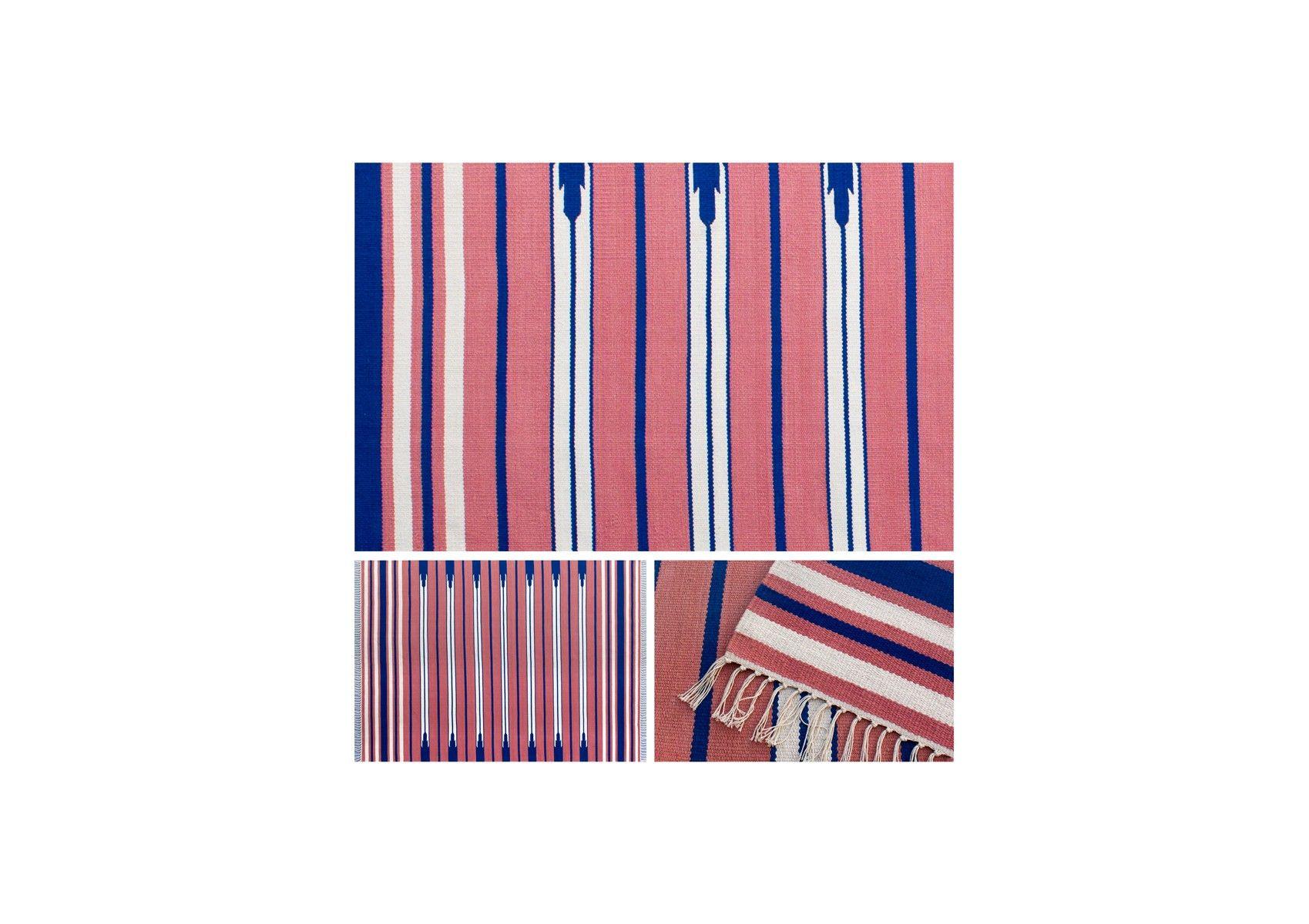 Navaho Stripes - 100% bomuldstæppe, udført i terracotta, marineblå og hvid, håndvævet med frynser. Vendbart. Etnisk i stilen.
