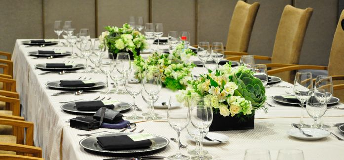 Simple yet elegant wedding table for your Ninongs and Ninangs on your wedding day! #BizuCateringStudio check out their profile here: http://www.kasal.com/philippine-wedding/Wedding-Caterers/Bizu-Catering-Studio/L15914.html
