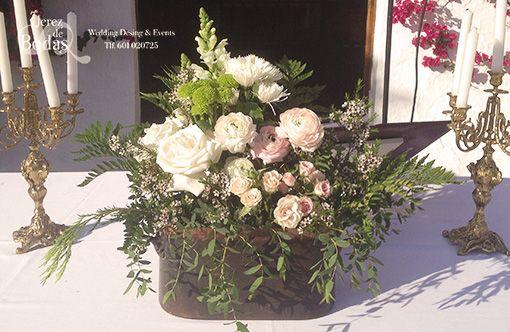 Nuestras flores en ollas centenarias. Deco Jerez de Bodas. E & F -  Finca el Sotillo Viejo. 9/05/15