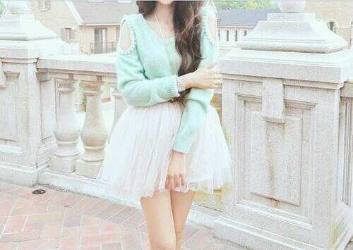 셔츠에 주름치마 소녀다운 코디