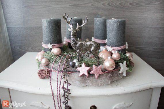 adventskranz rosa grau mit hirsch weihnachtsdeko rosa. Black Bedroom Furniture Sets. Home Design Ideas