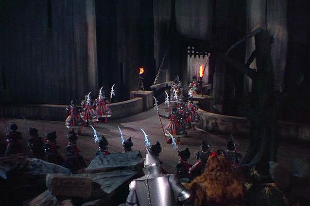 Witch S Castle Wizard Of Oz On Stage Google Search Set