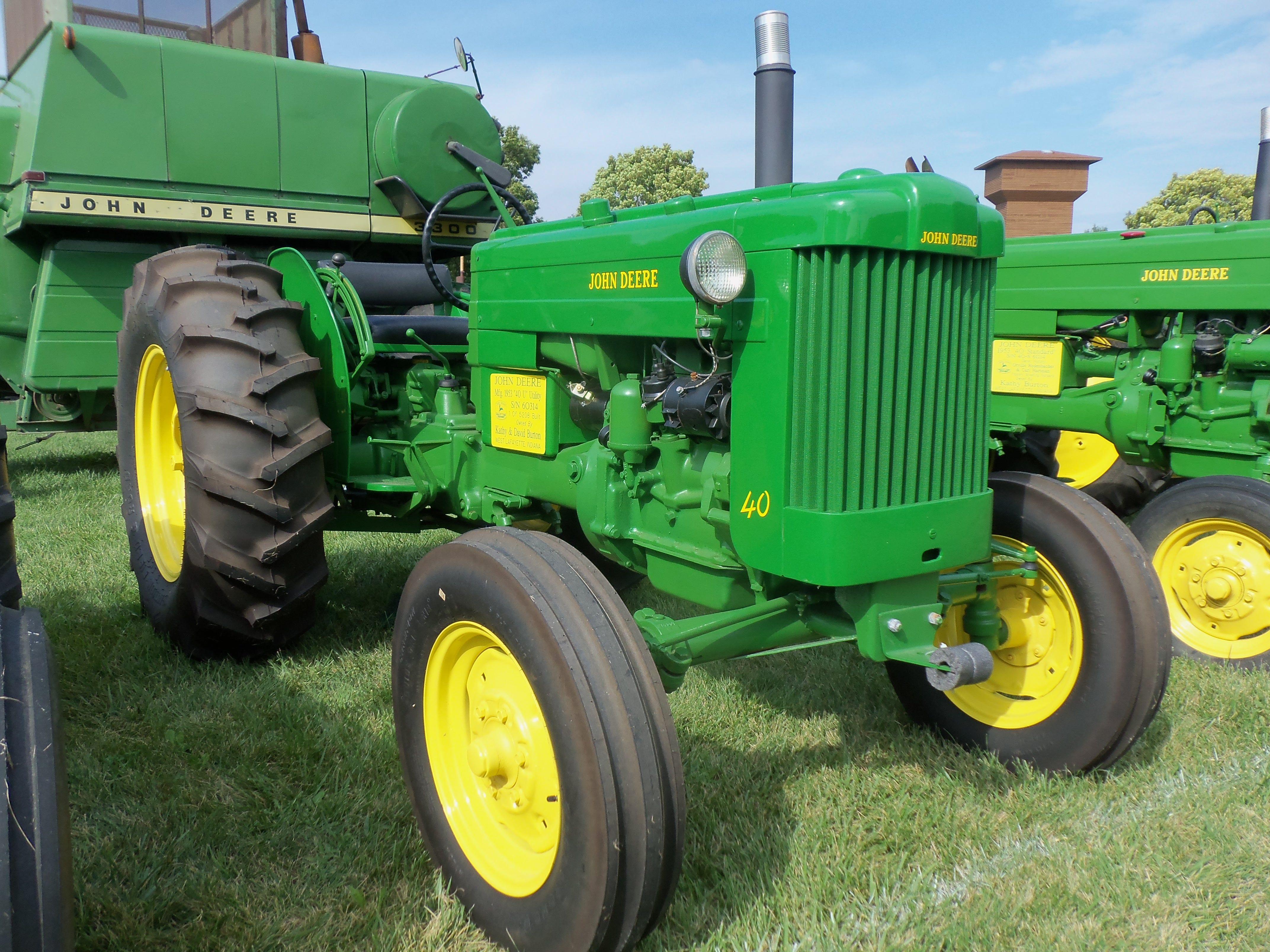 1953 John Deere 40U | John Deere equipment | Classic tractor