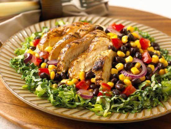 12 recettes de salades pour caler m me les plus grosses faims calories les salades et le poulet - Salade verte calorie ...