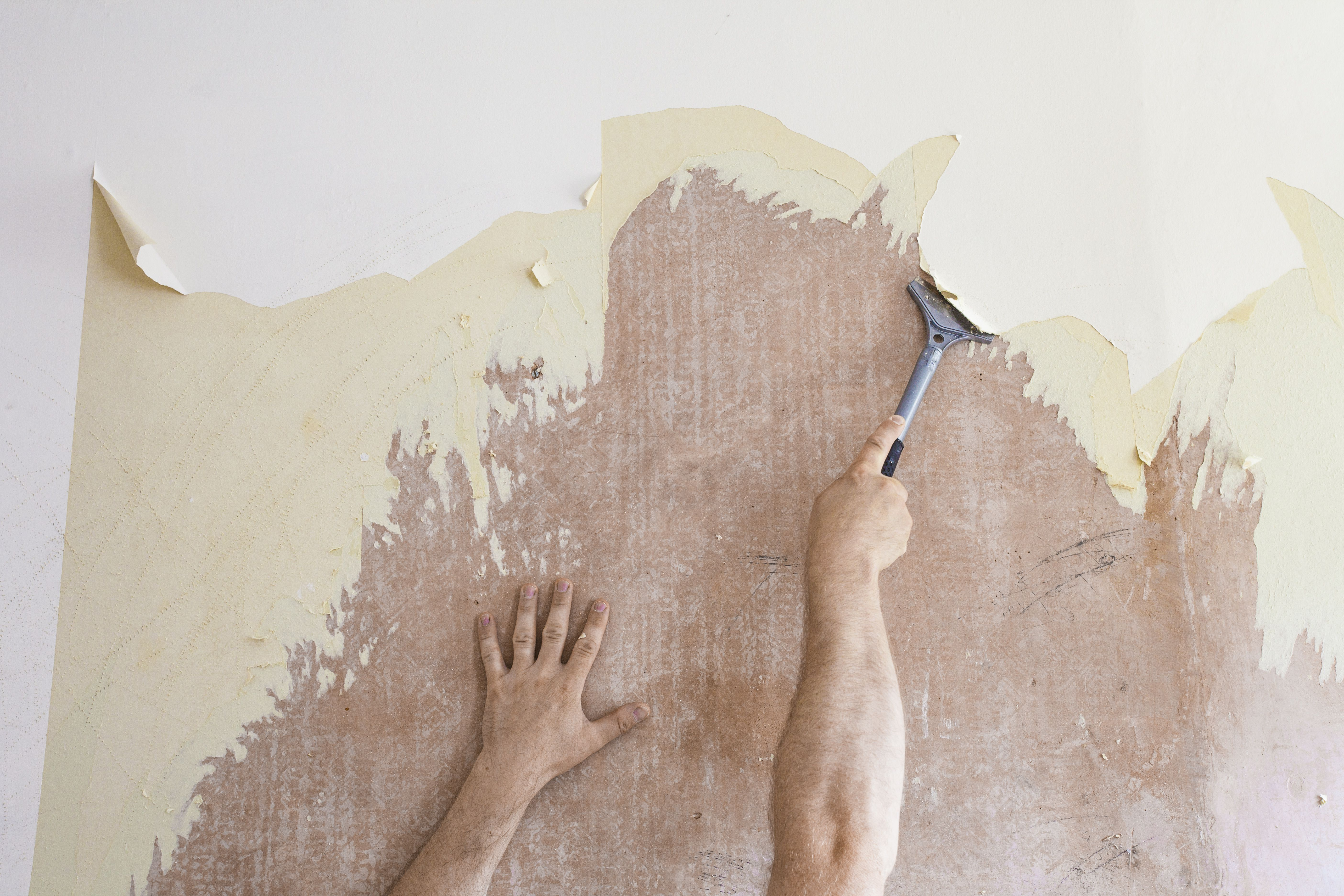 Discover The Easy Frugal Way To Remove Wallpaper Removing Old Wallpaper Homemade Wallpaper Old Wallpaper