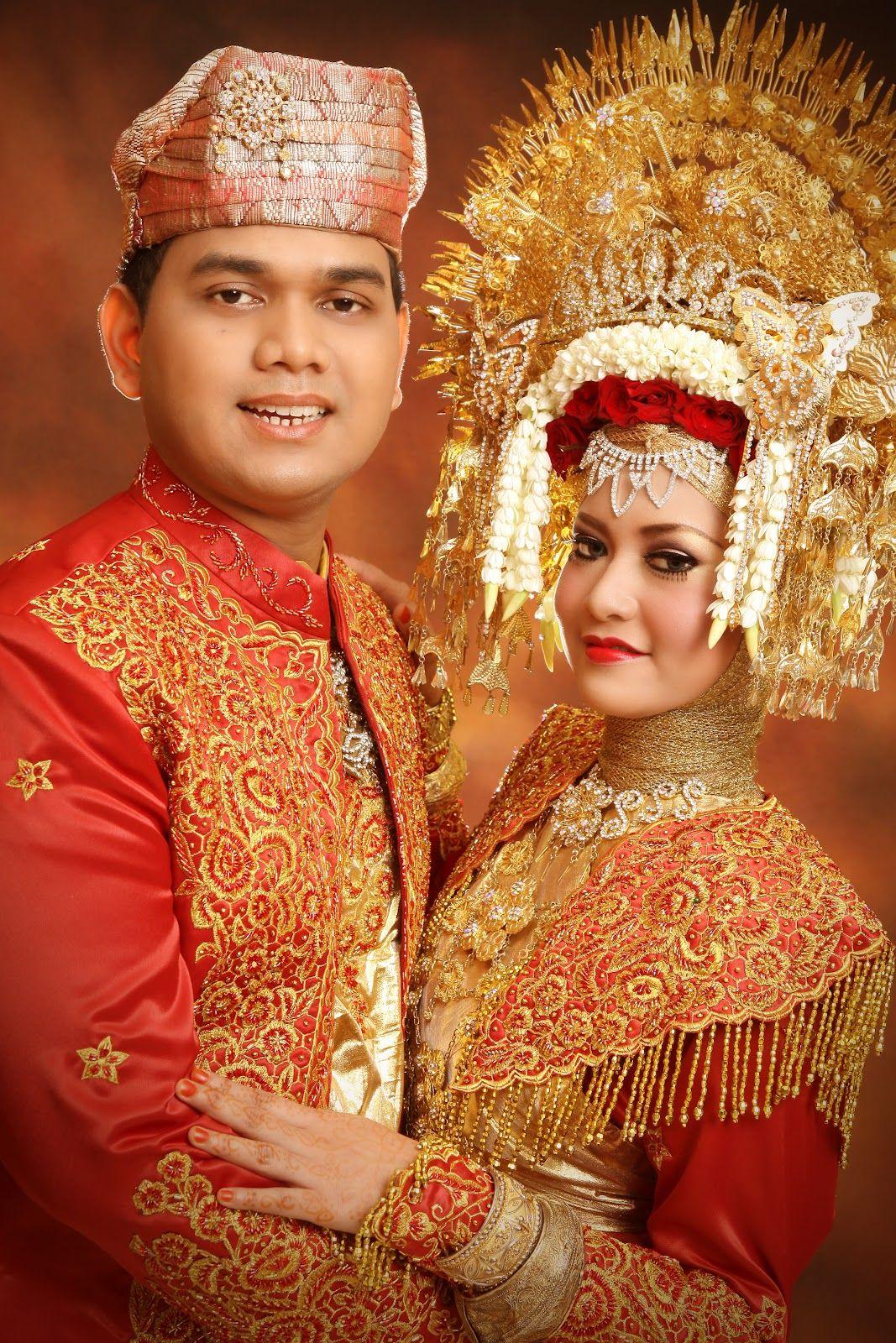 PengantinMinang Minang Wedding Suntiang Gaun