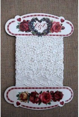 Cartonnette Coeurs / dentelle blanche 72